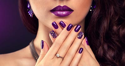How to Get a Perfect Manicure<br/></noscript><img class=