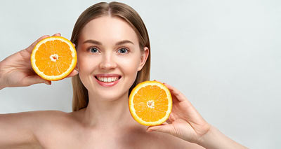 5 Reasons to Add Vitamin C to Your Aging Skin Care Routine<br/></noscript><img class=