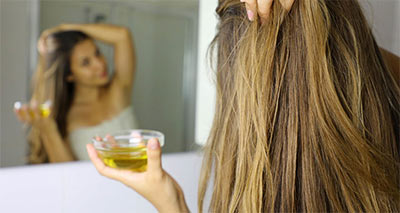 Remedies for Dry and Damaged Hair at Home<br/></noscript><img class=